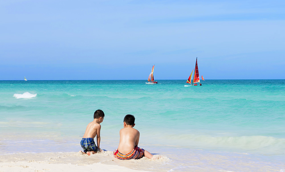 A Trip To Cayo Santa Maria Is An Opportunity For The Whole Family Re Energize Watch Your Children Swim In Limpid Waters That Lap 13 Kilometres Of