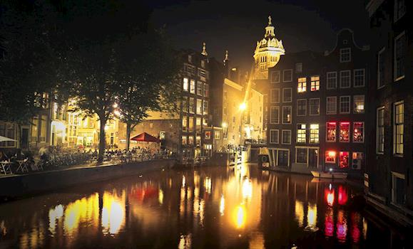 Experience the Real Amsterdam: From Nightlife to Shopping & Food