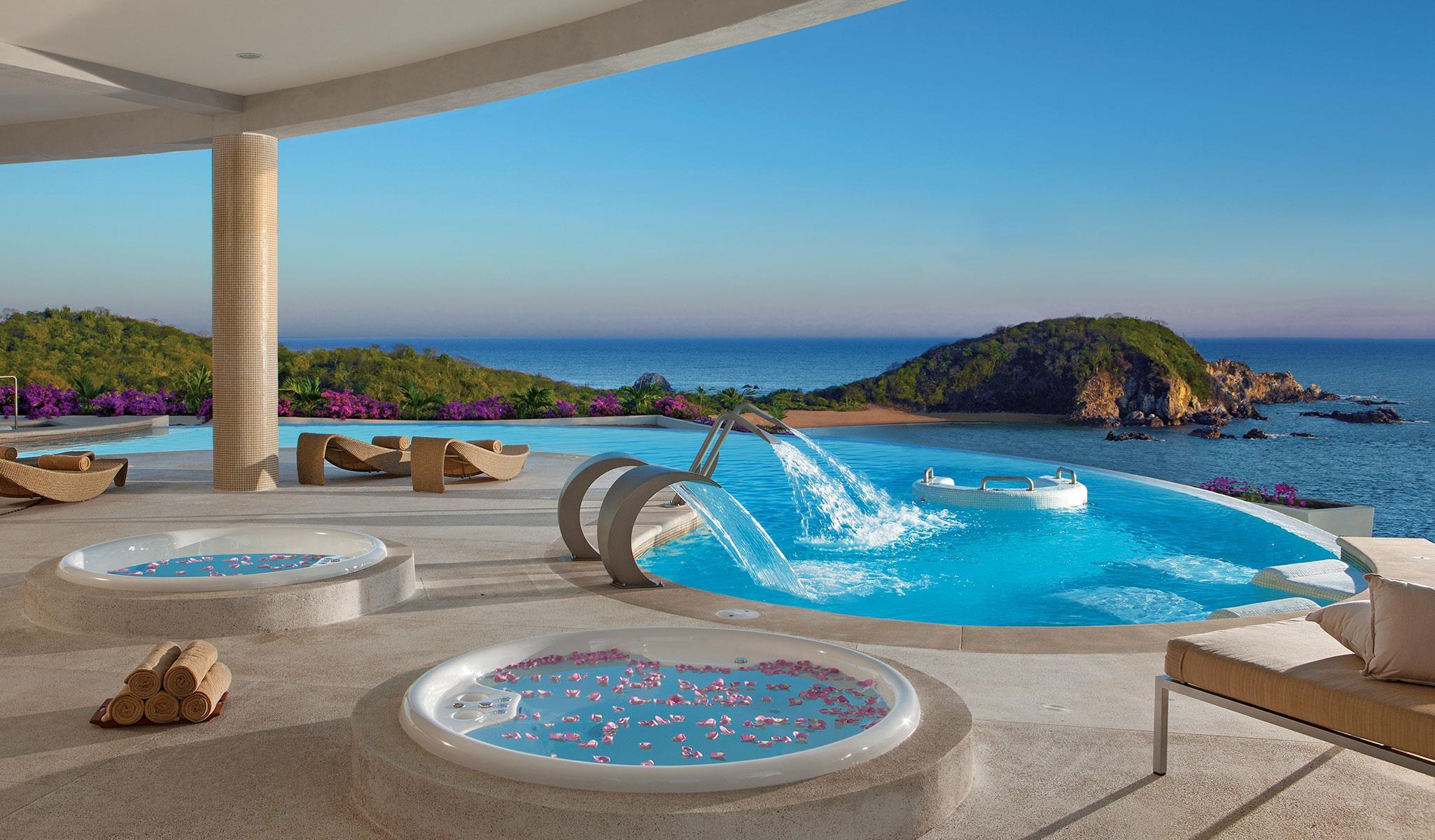 Perfect AMresorts Hotel Partner | Transat