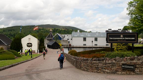 Follow the Whisky Trail with a Scottish Whisky Tour