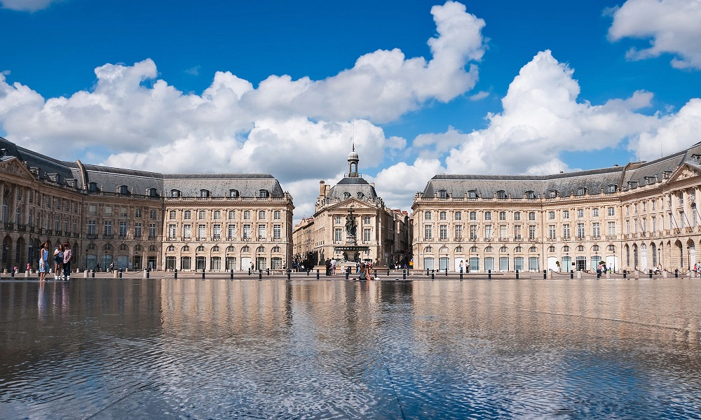 Bordeaux, France: Airport Info, Tourism & Hotels