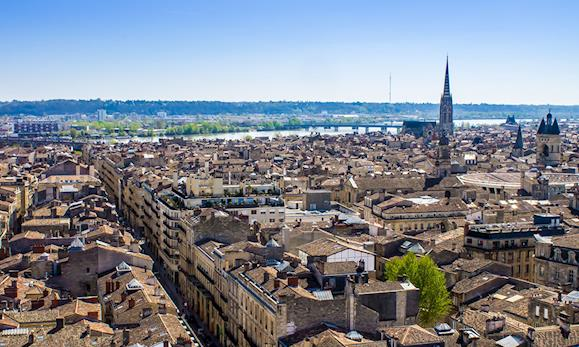 <small>Bordeaux, Tours et Paris</small>